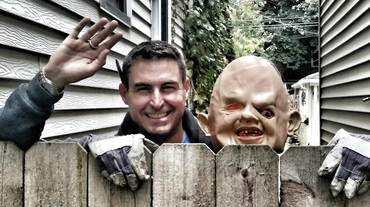 Edgewater Glen Halloween Decoration Contest