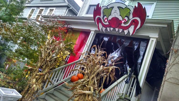 Edgewater Glen Halloween House Decorating Contest
